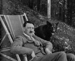 Hitler e il suo cane